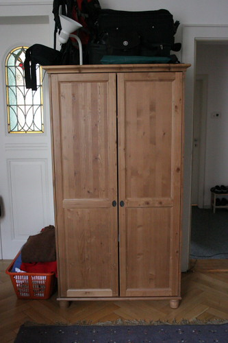 For Sale: IKEA 2-Door LEKSVIK Closet / Kleiderschrank 2-tü