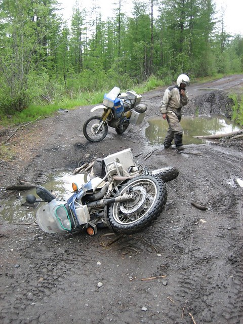 Dropped Bmw R1150gs On Road Of Bones Siberia Not Sure Why Flickr