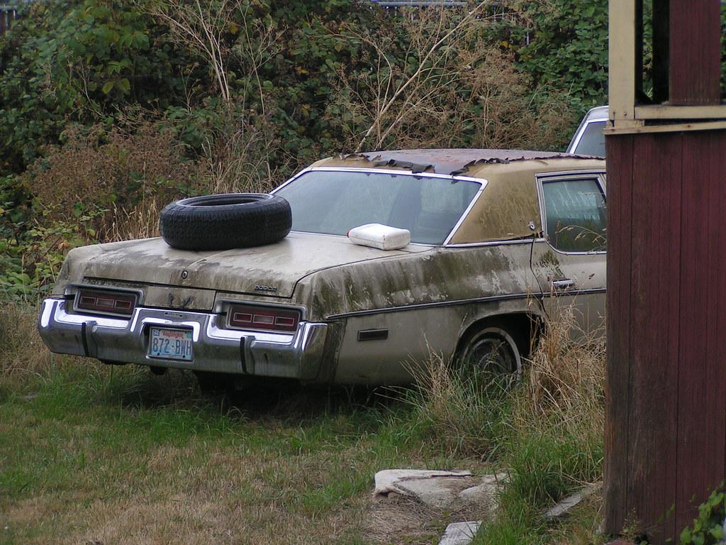 Junked car in the backyard, Ballard, Seattle, 10/13/06 | Flickr