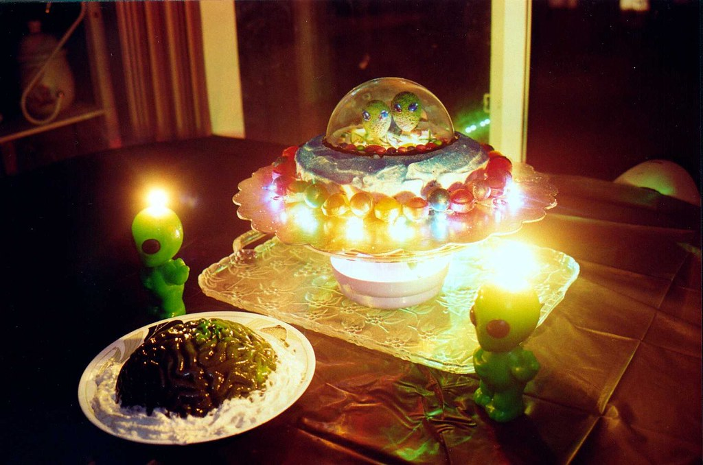 Alien Cake No Thats Not Photoshop The Cake Lights Up
