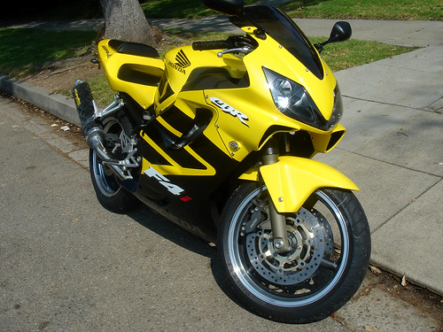 2002 honda cbr f4i front 2002 honda cbr f4i front flickr. Black Bedroom Furniture Sets. Home Design Ideas