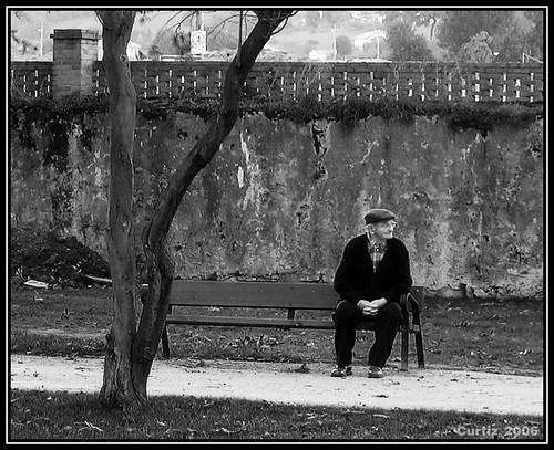Señor Sentado En Un Banco - Old Man Sitting On A Bench | Flickr