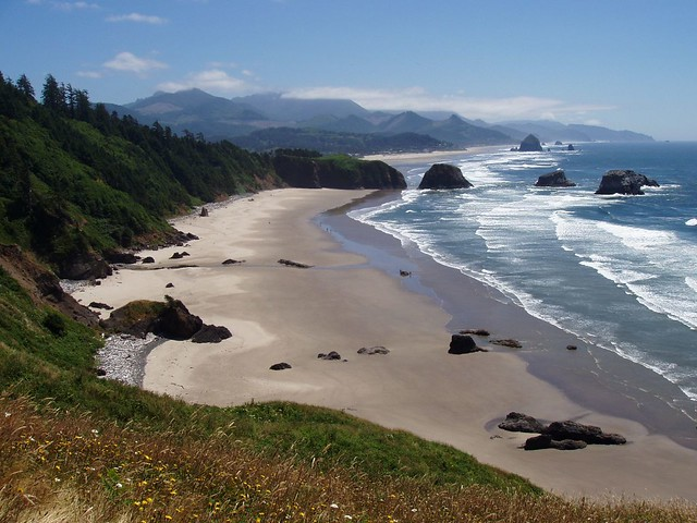 Cannon Beach - White Sands, White Surf