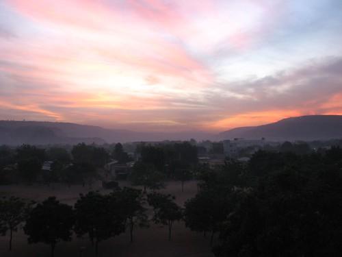 Le soleil se couche sur bamako a l 39 ouest de la ville joh flickr - Le soleil se couche a l ouest ...