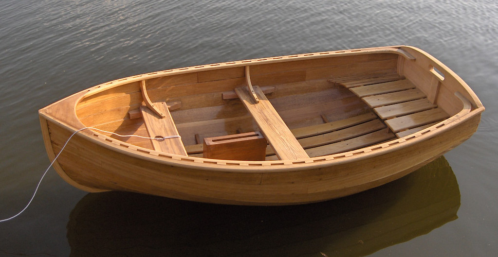 Wood dinghy design by iain oughtred built in