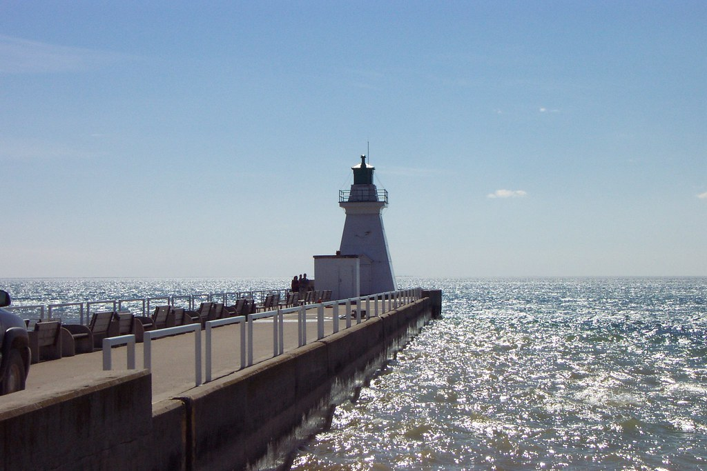 Port dover 35 charles w bash flickr for Lake erie pier fishing