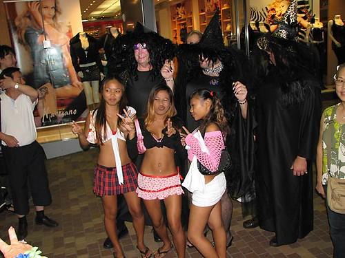 Halloween In Waikiki 2006 Halloween In Waikiki Along
