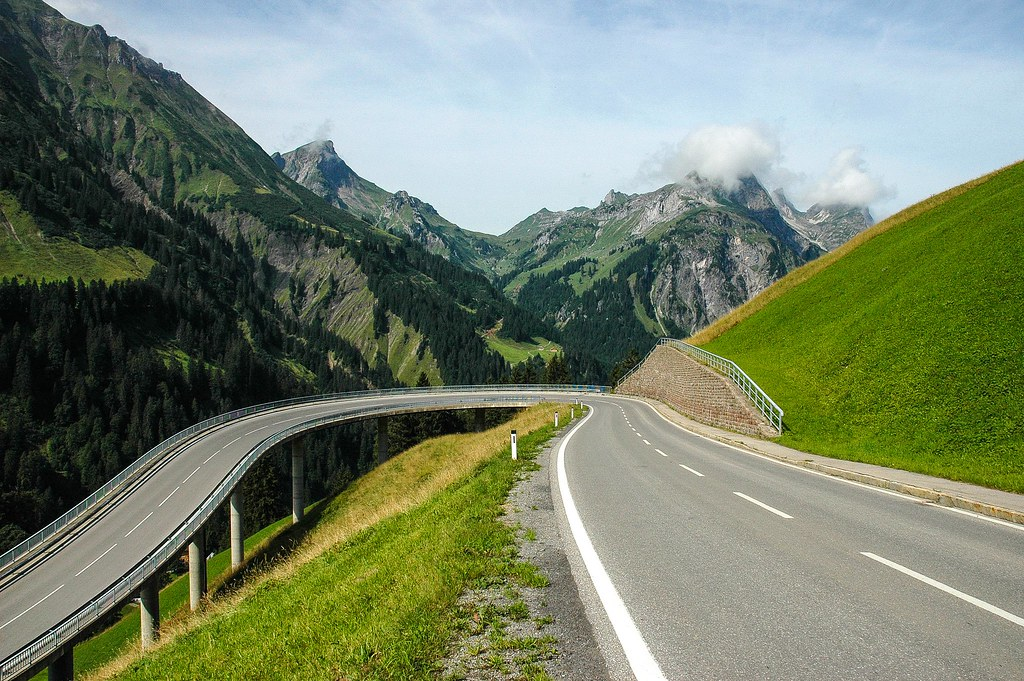 mountain road wynand van poortvliet flickr