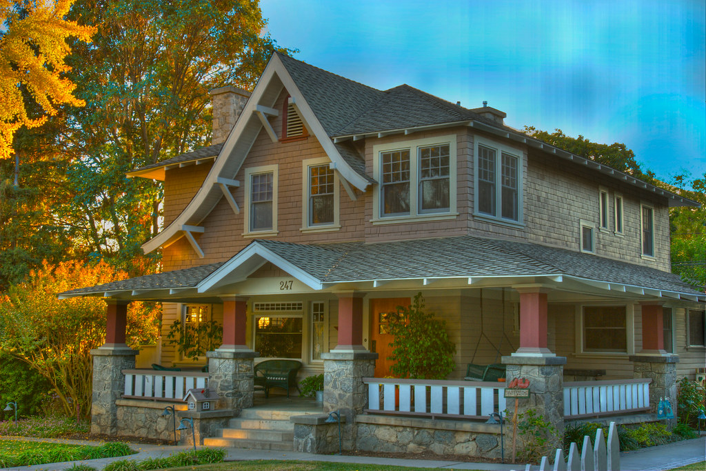Beautiful old house in monrovia california beautiful old for Beautiful classic houses
