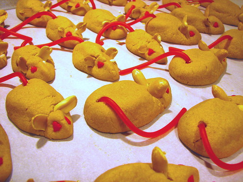 Peanut Butter Christmas Mice | by Sashertootie