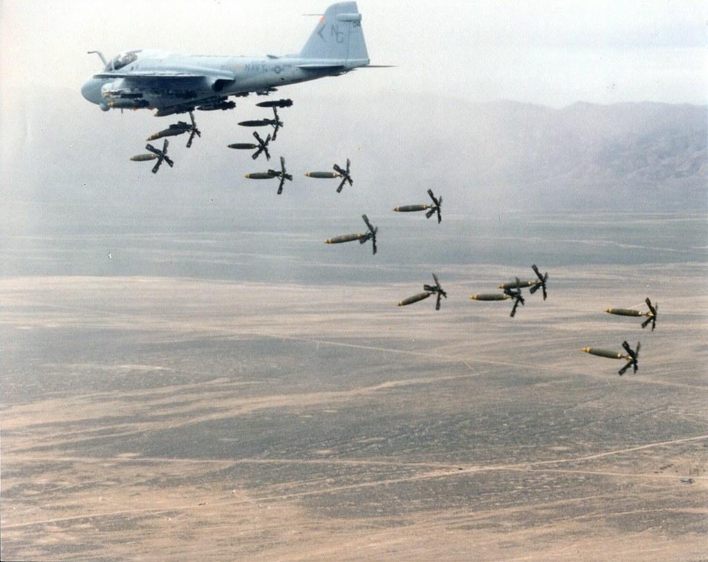 Grumman A-6 Intruder y EA-6B Prowler 273999539_aa37f5ab22_b