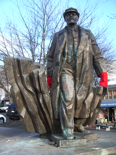 Lenin... with mittens! | by majorbonnet