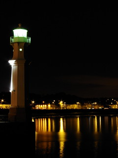 Newhaven Lighthouse IV | by elementalPaul