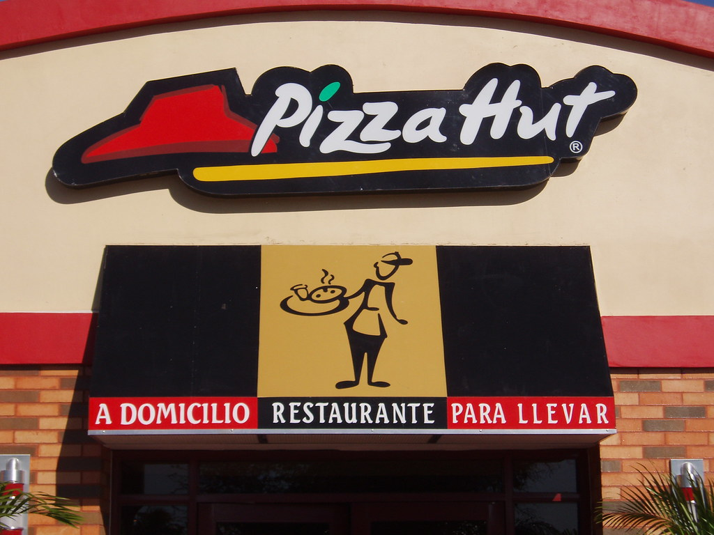 Choluteca pizza hut imjimellison flickr for Oficinas de pizza hut