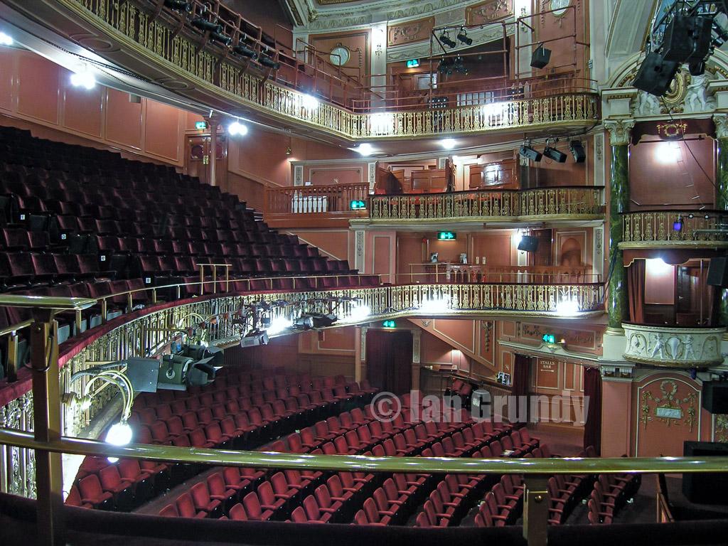 0510 wimbledon theatre 21 wimbledon theatre in london da flickr. Black Bedroom Furniture Sets. Home Design Ideas