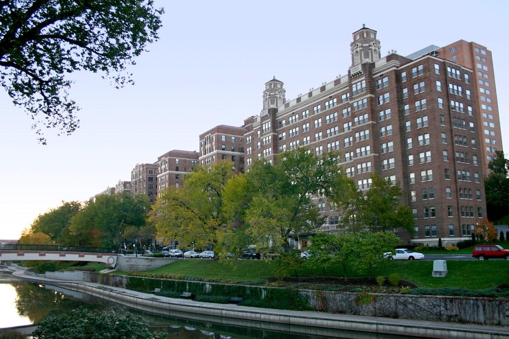 Club Creek Apartments