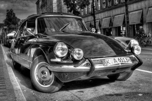 Citroën DS 21 HDR b/w | by Ozan™
