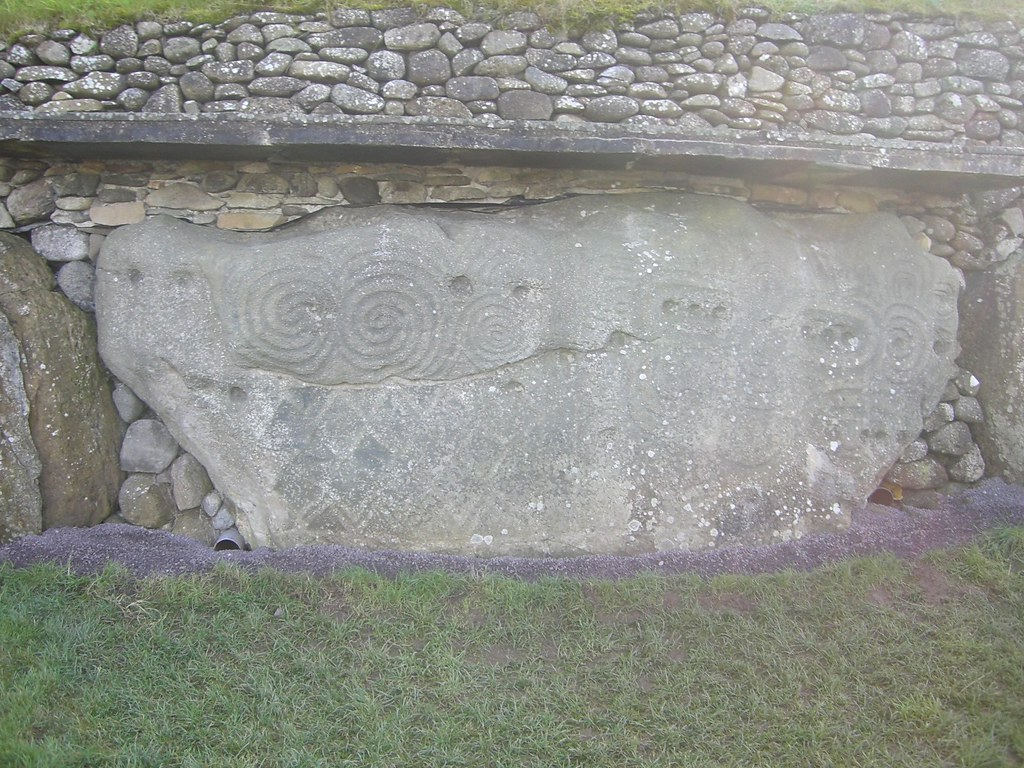 Newgrange stone carvings around brian o