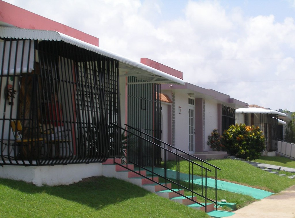Puerto Rico houses - casas | Most homes in Puerto Rico have … | Flickr