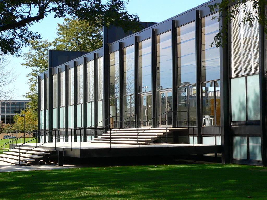 crown hall on iit campus steve silverman flickr