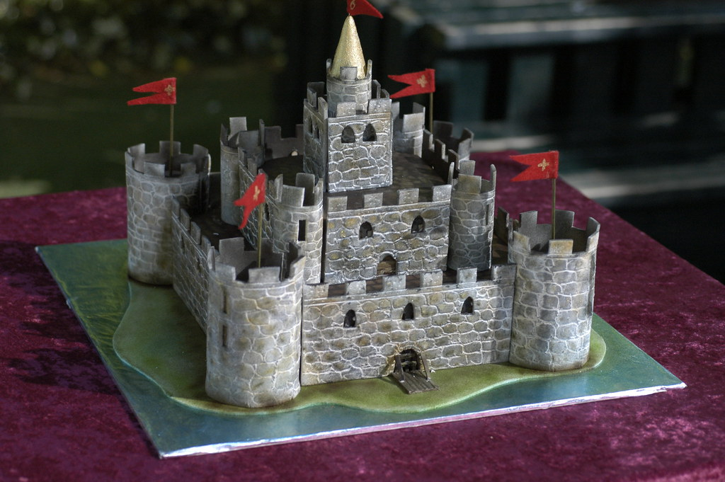 Castle Birthday Cake Annas Latest Cake A Knights Castl Flickr
