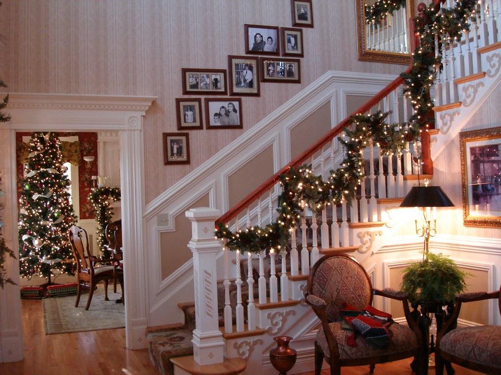 Foyer Decorating For Christmas : Foyer christmas decor curlygurl flickr