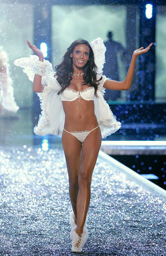 Victoria's Secret Fashion Show 2006! | by gniliep1