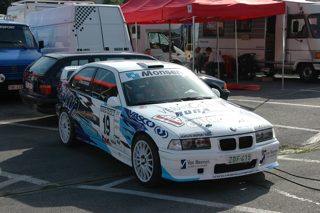 Bmw Compact M3 This Rally Car Features A 3200cc Custom M3 Flickr