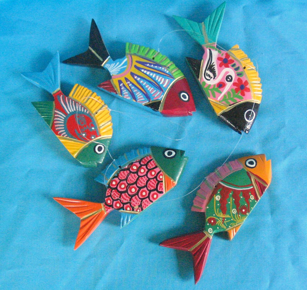 Wooden Fish From Guerrero A Stringer Of Painted Wood