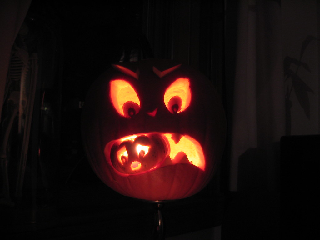 Cannibal pumpkin | M made this awesome Jack O'Lantern for ...