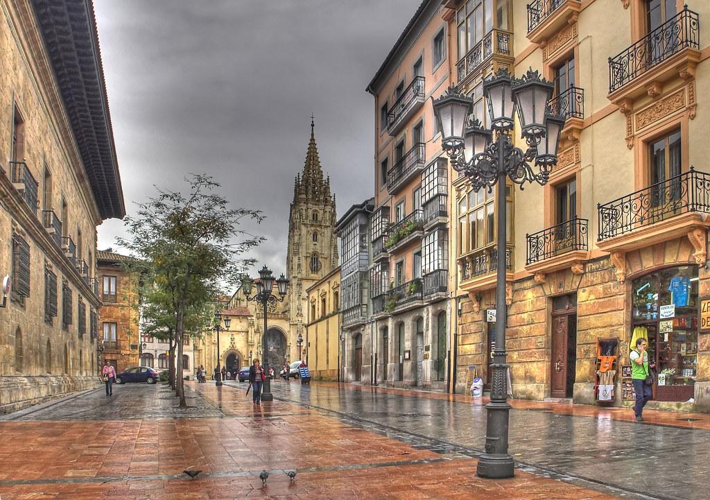 La calle de la catedral hdr la calle de san francisco - Muebles en oviedo asturias ...