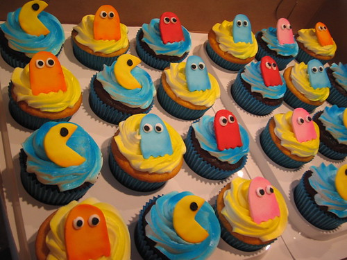 pacman cupcakes | by debbiedoescakes