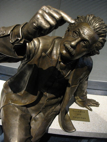 Einstein statue | by maveric2003