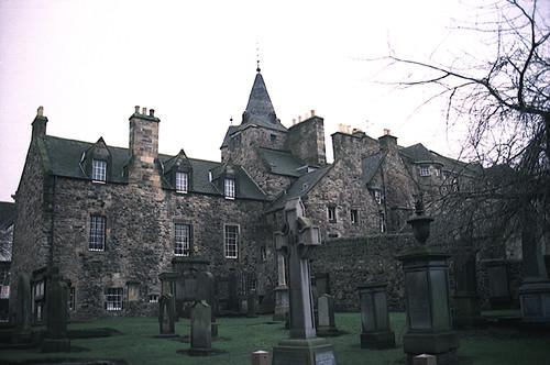 Canongate Kirk Cemetery Edinburgh Along The Canongate