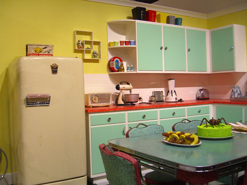 Edna 39 s kitchen susan fitzgerald flickr for Jaren 60 interieur