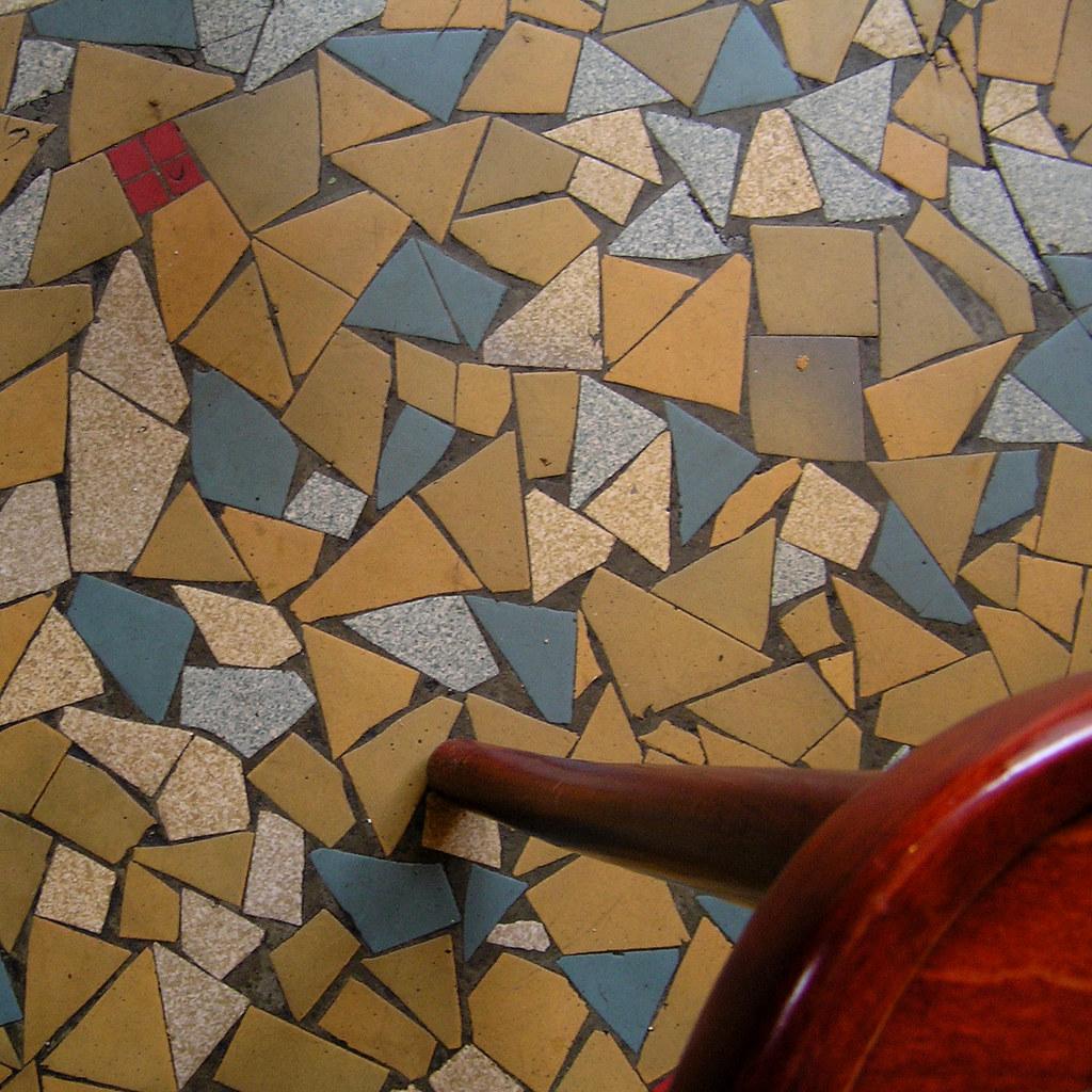 le caf d 39 en bas the caf down bellow take a look flickr. Black Bedroom Furniture Sets. Home Design Ideas