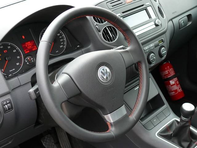 vw golf plus v 3 interior i don 39 t know if this is speci flickr. Black Bedroom Furniture Sets. Home Design Ideas