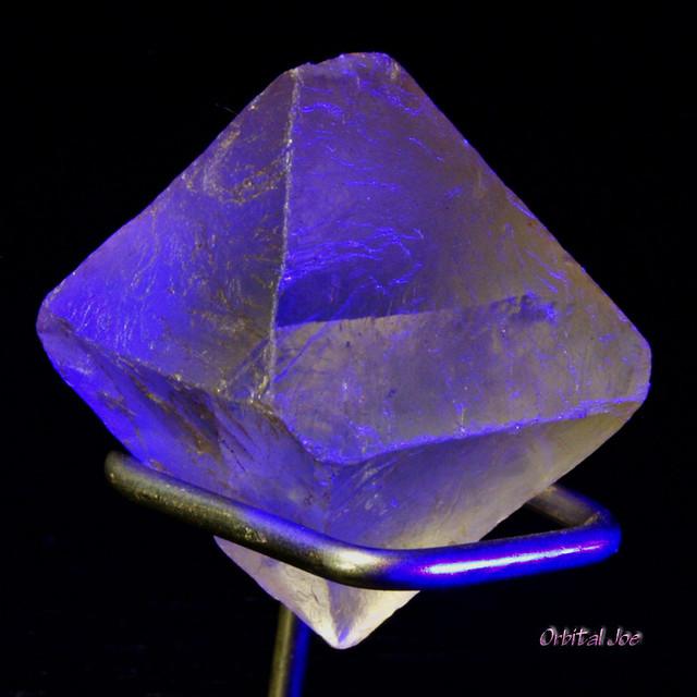 Fluorite Octahedron Under A Black Light Lw Uv