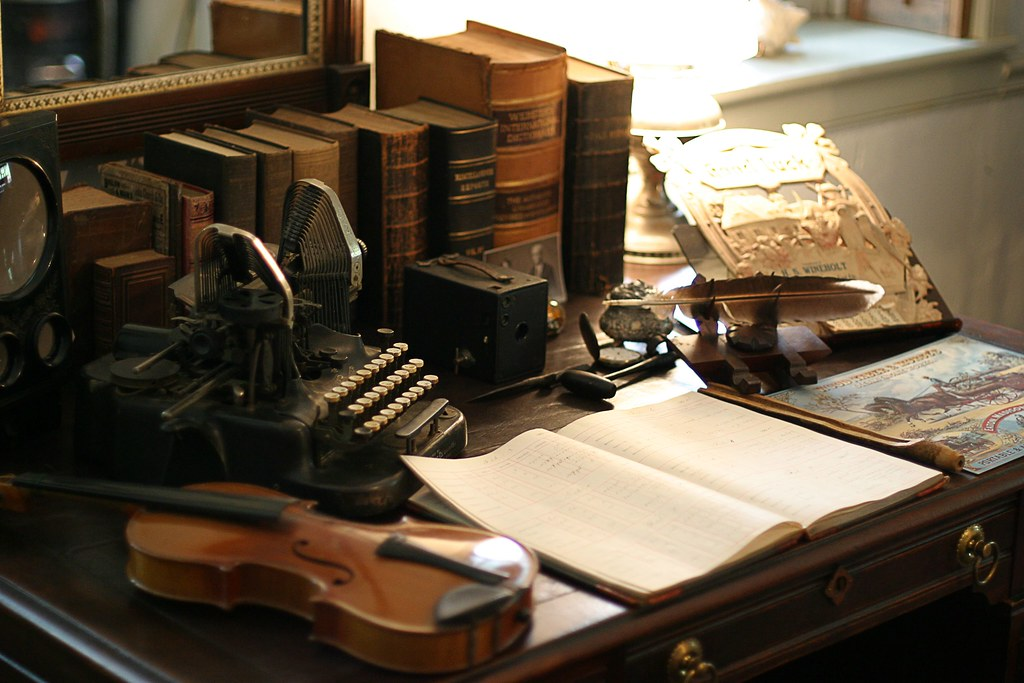 - Antique Desk And Typewriter A Period Tableau In One Of The… Flickr