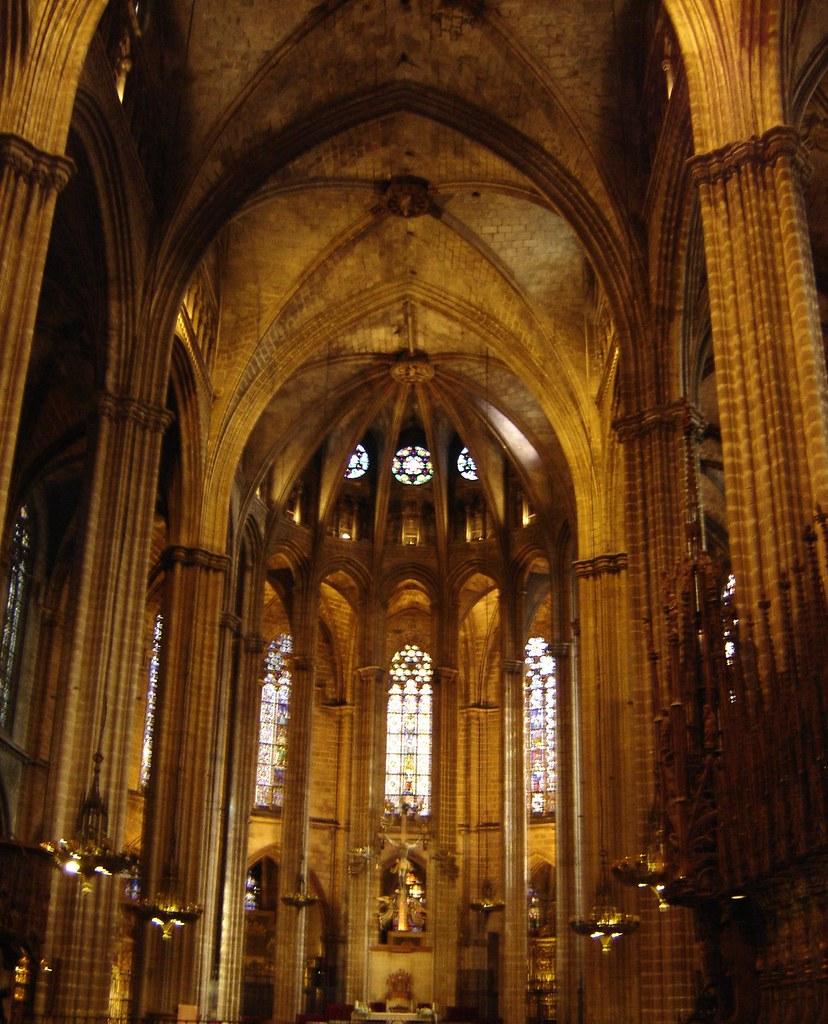 Interior de la catedral de barcelona inside barcelona 39 s for Catedral de barcelona interior