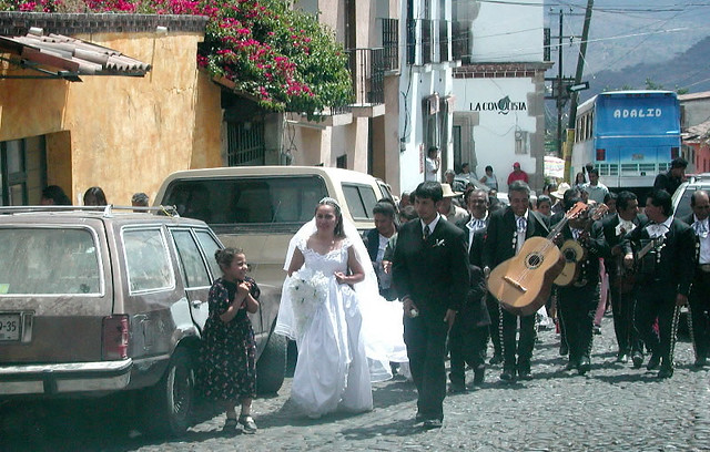 Mexico Madrinas And Padrinos: Mexican Wedding With Mariachi Band