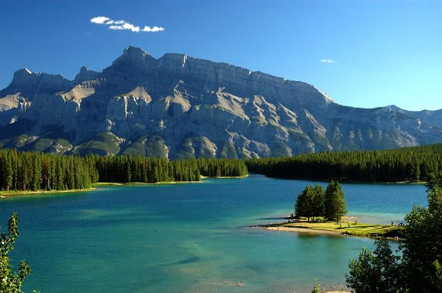 how to get to margaret lake alberta