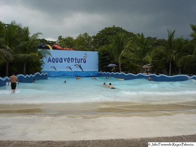 Aquapark piscina de olas julio fernando reyes palencia for Piscinas palencia