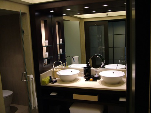 Five star bathroom | Hotel Arts Barcelona | pope24 | Flickr