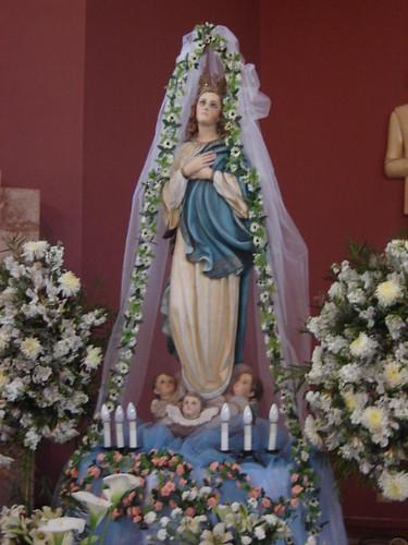 Altar de la virgen en el mes de mar 204 a maximodelpozo flickr