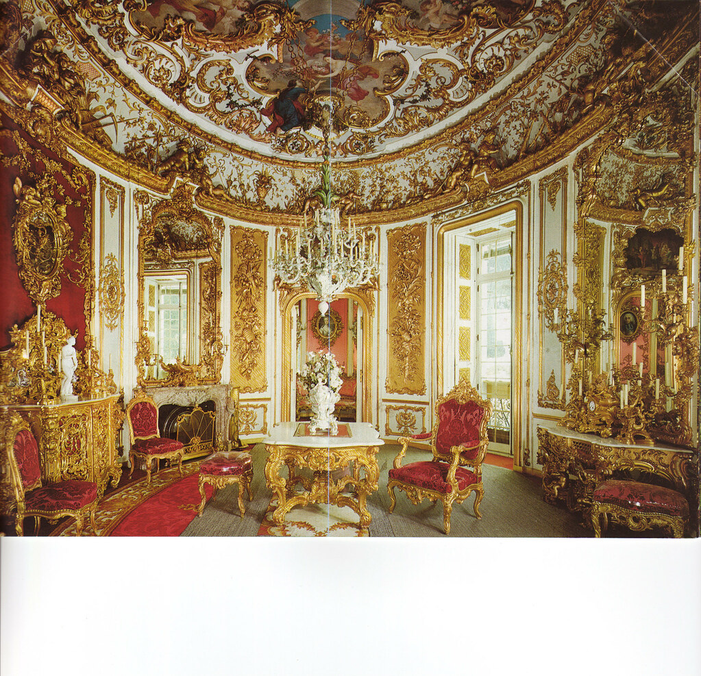 Linderhof 39 s dining room baumer dorothea and for Dining room in german