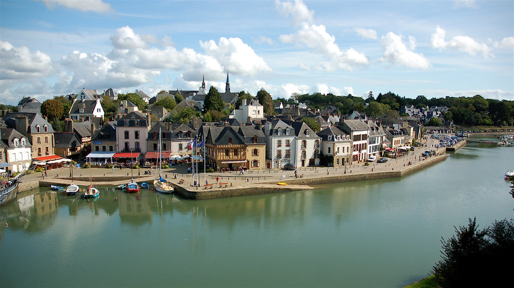 st goustan by day town of st goustan near auray. Black Bedroom Furniture Sets. Home Design Ideas