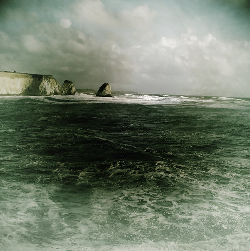 Stormy weather @ Freshwater Bay, Isle of Wight | by s0ulsurfing