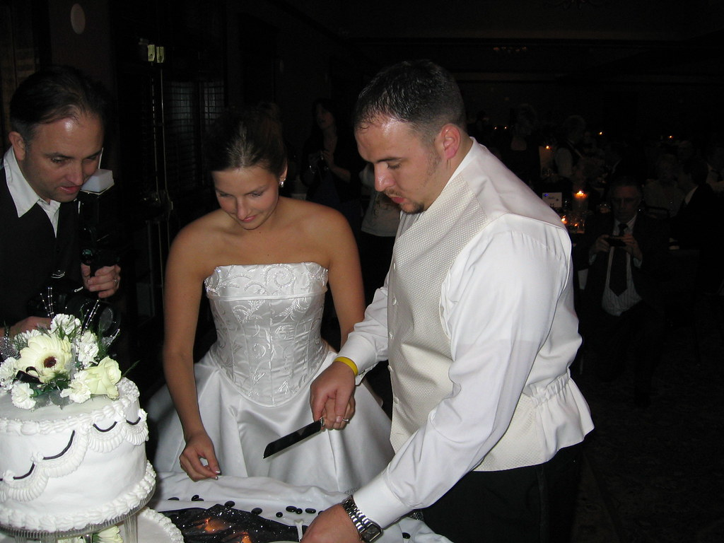 Wedding Cake Cutting Tradition