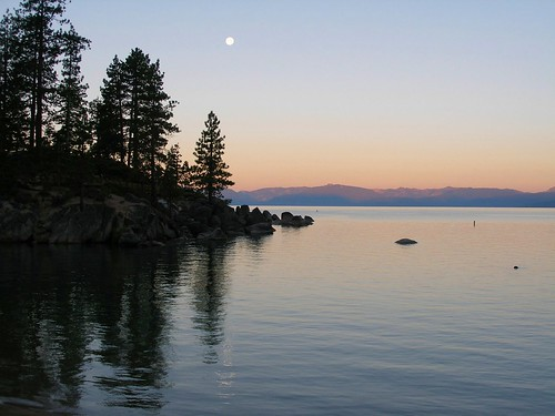 Moonset over Lake Tahoe | In the quiet moments before the ...